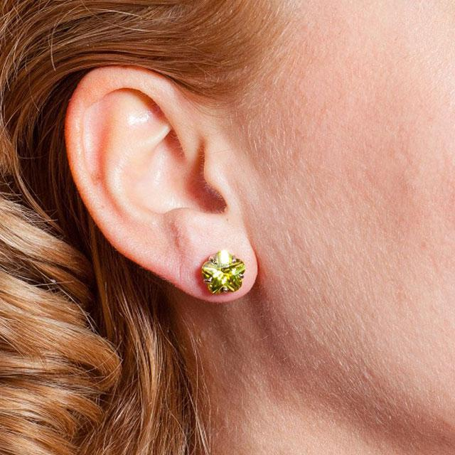 Cercei Borealy Sapphire Studs Flower Cut Lime Green-big